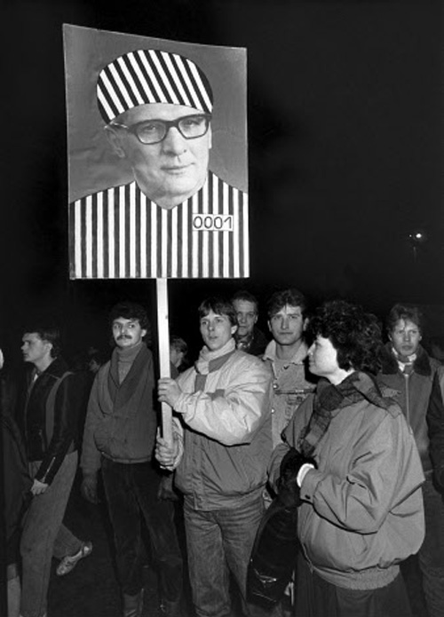 Demonstrators Demand the Imprisonment of Honecker (December 11, 1989)