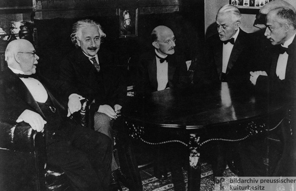 The Five Nobel Prize Winners Nernst, Einstein, Planck, Millikan and von Laue (from left to right) (1931)