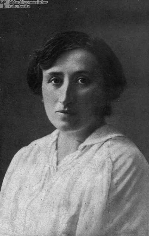 Rosa Luxemburg, Co-founder of the Spartacus League (c. 1918)
