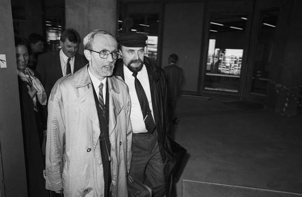 Lothar de Maizière and Rainer Eppelmann Arrive in Bonn after the <I>Volkskammer</i> Elections (March 21, 1990)