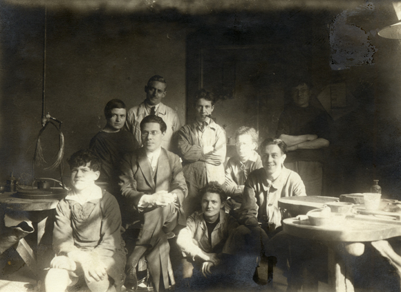 László Moholy-Nagy with Metalworking Students at the Weimar Bauhaus (1924-25)