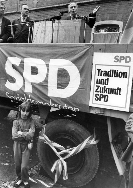 Oskar Lafontaine at an SPD Campaign Event in Bitterfeld (October 10, 1990)