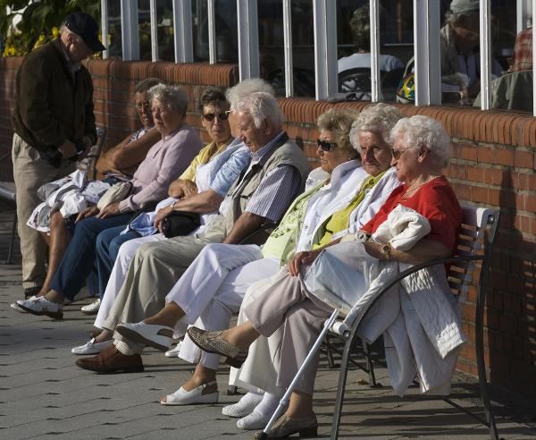 The Aging of the Population – Retirees on a Bench in Grömtz (2006)
