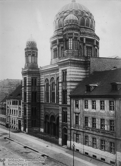 Jewish Synagogue, Oranienburger Straße 30 (c. 1885)