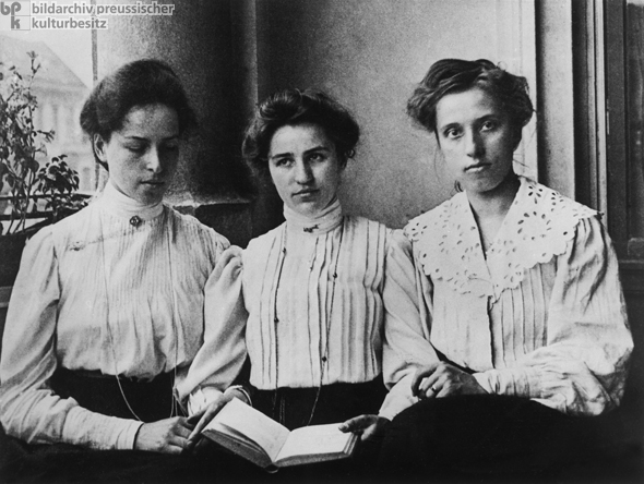 Female University Students (1908)