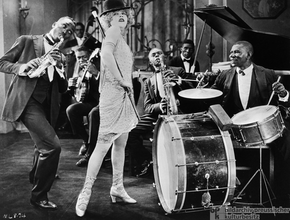Jazz Band  and Mae Murray in the Silent Film <i>Circe, The Enchantress</i> (1924)