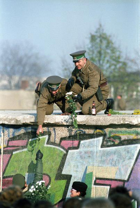 Flowers for GDR Border Guards (November 10, 1989)