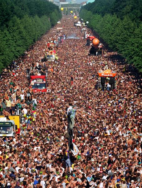 The Love Parade in Berlin (July 10, 1999)