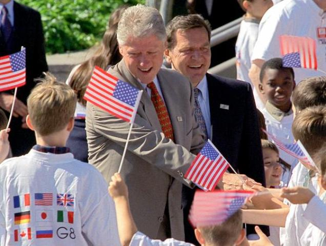 Bill Clinton and Gerhard Schröder with Schoolchildren (June 19, 1999)
