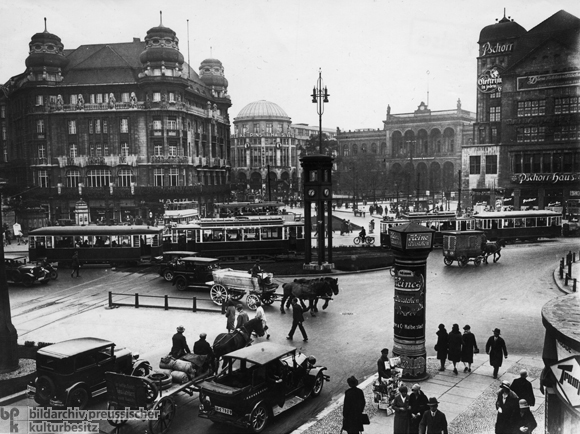 Brisk Traffic on Berlin's Potsdamer Platz (1930)