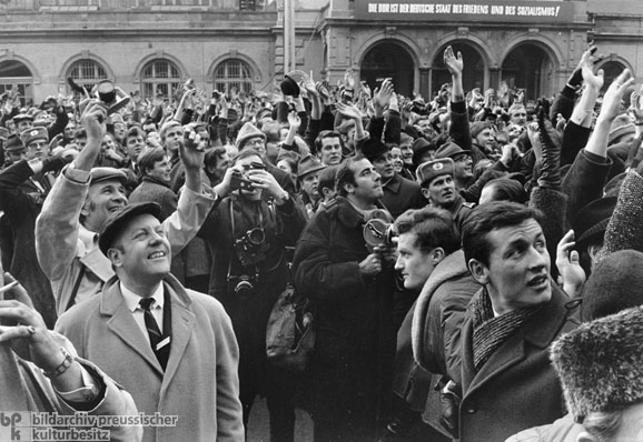 GDR Citizens Wave to Willy Brandt (March 19, 1970)