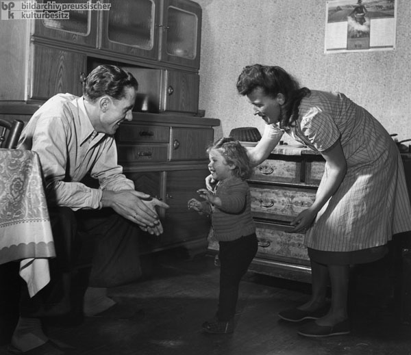 "A Young Family during the Early Years of the ""Economic Miracle"" (1951)"