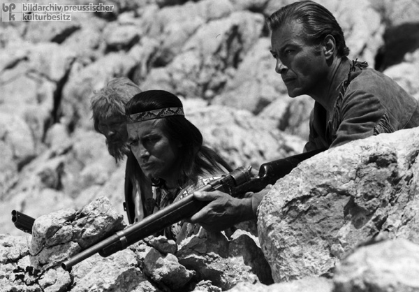 Pierre Brice as Winnetou and Lex Barker as Old Shatterhand – Filming