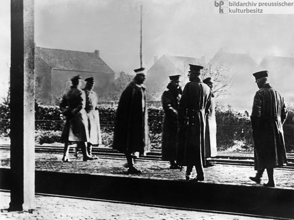 Wilhelm II (fourth from left) crosses the Dutch Border and goes into Exile the Day after the Announcement of his Abdication (November 10, 1918)