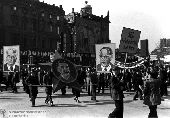 Demonstration am 1. Mai 1951