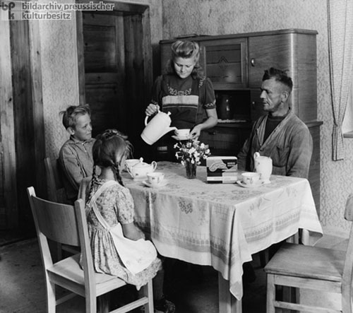 Farmer's Family from Bruchstedt (Sondershausen District) (July 1950)