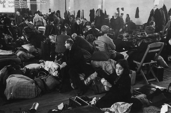 Deportation of Stuttgart Jews to Riga, Latvia – Waiting in a Detention Camp on Killesberg Hill, Stuttgart (November 1941)