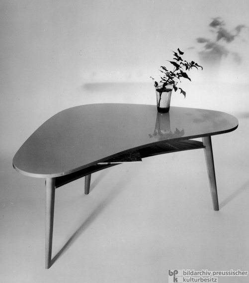 Furniture Design of the 1950s: Kidney-Shaped Table (1954)