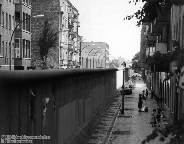 The Berlin Wall at Heidelberger Straße in the District of Neukölln (1981)