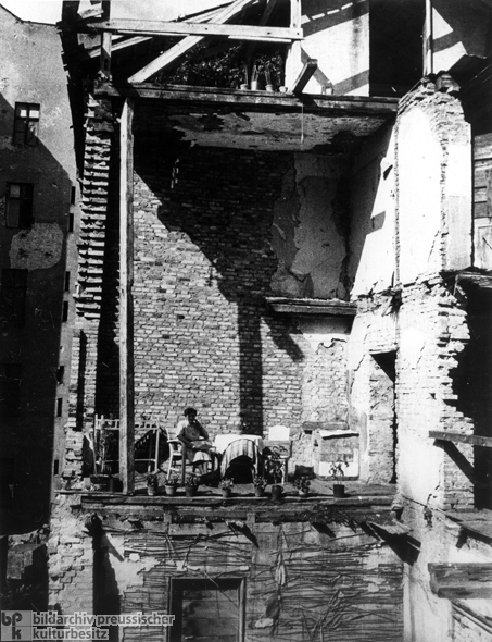 Makeshift Balcony in a Destroyed Berlin House (1946)