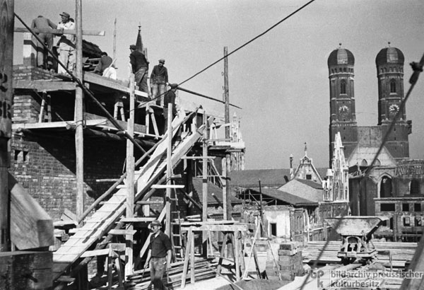 Reconstruction of a Building near the Frauenkirche in Munich (1947/48)