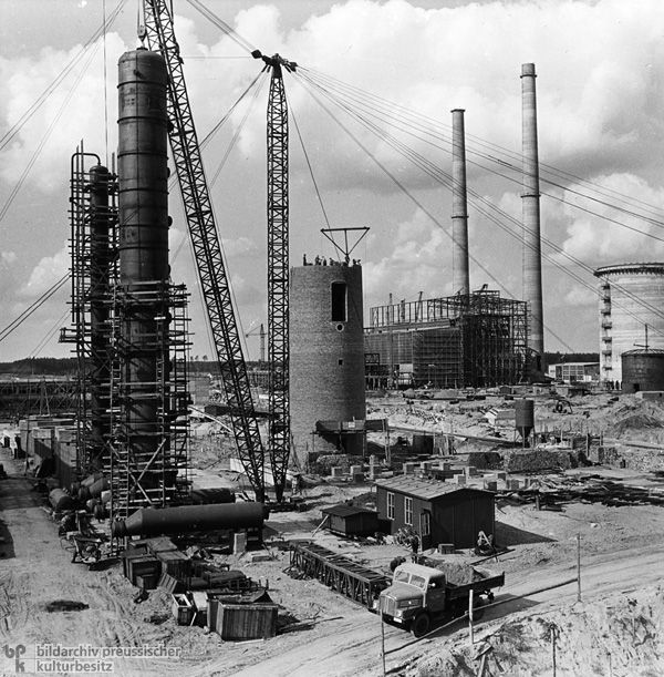 Construction of the Oil Refinery in Schwedt (1962)