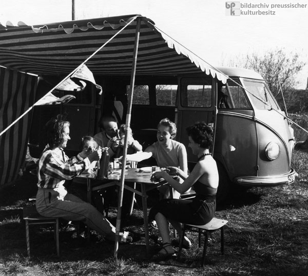 Camping with a VW-Bus in Germany (1952)