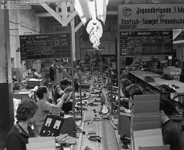 Producing Irons in Sörnewitz (1964)