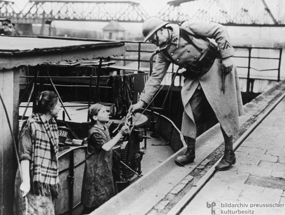 Inspecting a Barge along the Rhine-Herne Canal during the Occupation of the Ruhr Region (February 3, 1923)