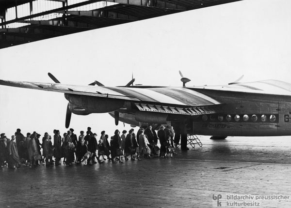 Refugees are Transported to West Germany from Berlin's Tempelhof Airport (1953)