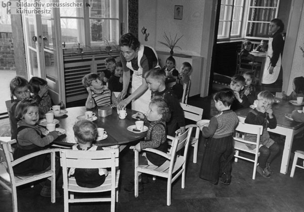 On-Site Daycare at the Steelworks in Riesa (April 1951)
