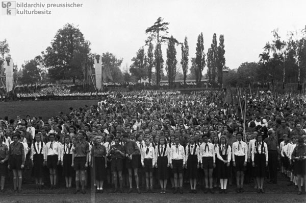 "Opening of the ""Ernst Thälmann"" Pioneer Republic at the Wuhlheide, East Berlin (May 24, 1950)"