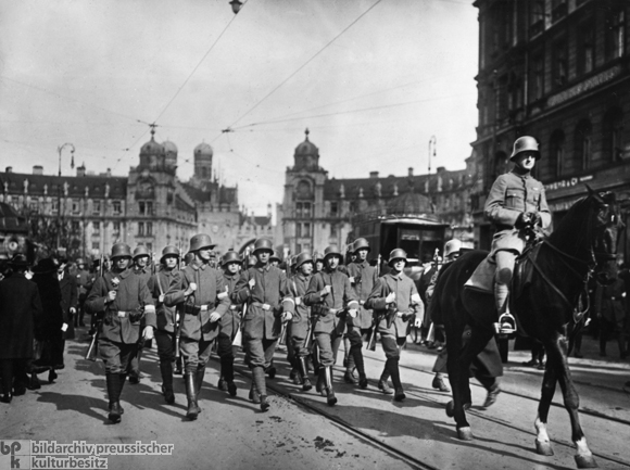 Mounted Troops Enter Munich after the Defeat of the Councils' Republic [<I>Räterepublik</i>] (May 1919)