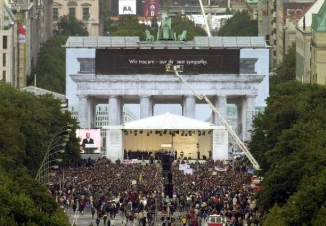 Memorial Service in Berlin for the Victims of 9/11 (September 14, 2001)