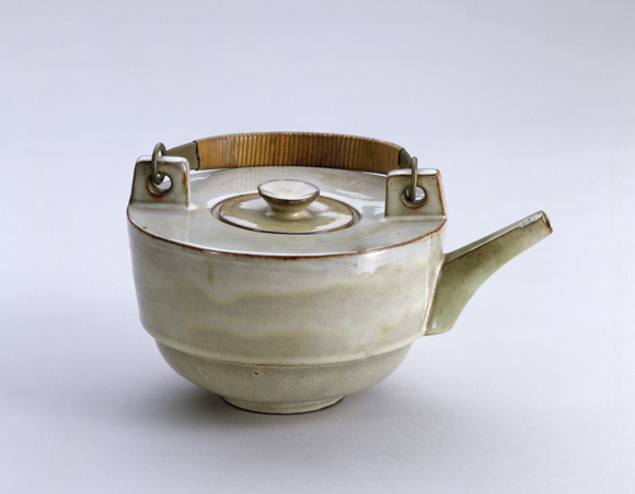 Theodor Bogler, Combination Teapot with Metal Handle (1923)