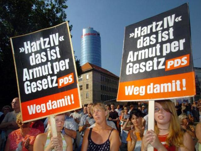 PDS Slogans against Hartz IV Reforms in Jena (August 9, 2004)