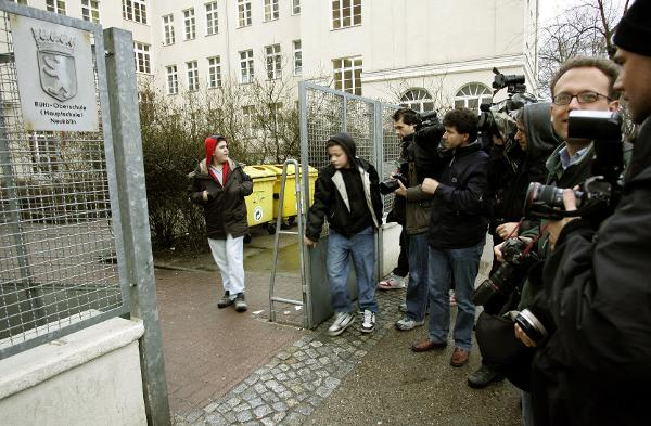A Swarm of Media in Front of the Rütli School in Berlin (March 31, 2006)