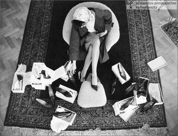 Shoe Shopping (1959)