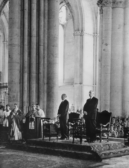 Konrad Adenauer and Charles de Gaulle in the Cathedral of Reims (July 8, 1962)