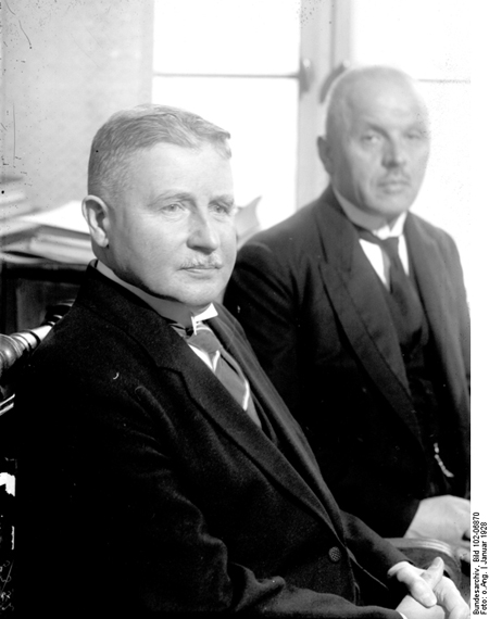 The New Minister of the Reichswehr, Wilhelm Groener (left), with his Predecessor Otto Gessler (January 1928)