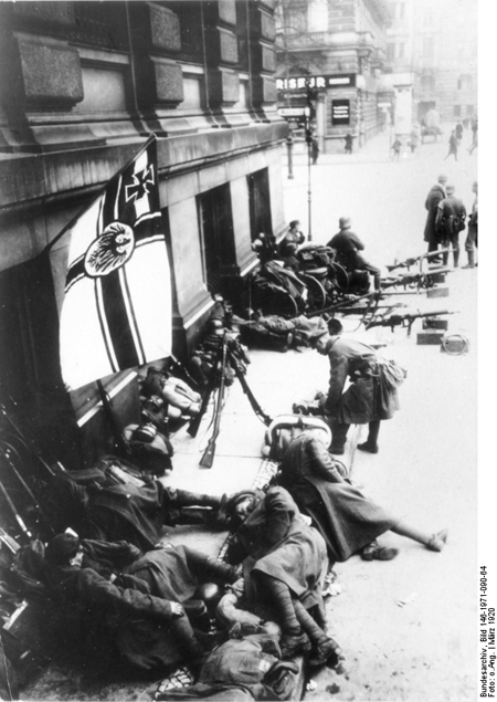 The Kapp-Lüttwitz Putsch: Members of the Ehrhardt Marine Brigade with the Imperial Navy Flag (March 1920)