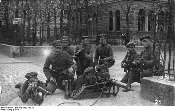 Soldiers with Machine Guns in Augsburg (April 1919)