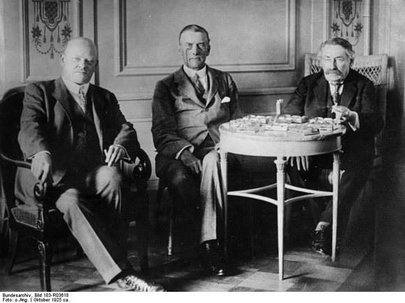 Negotations between Gustav Stresemann, (Joseph) Austen Chamberlain, and Aristide Briand in Locarno (October 1925)