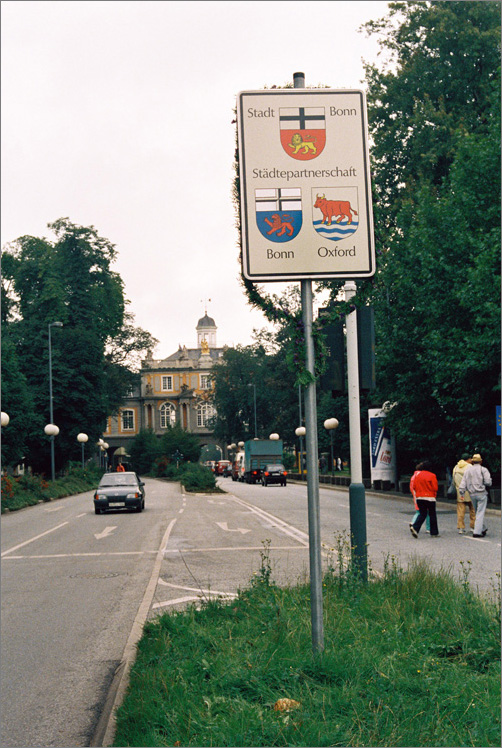 The Sister Cities Bonn and Oxford (Sign in front of the Koblenz Gate, Bonn) (1987)