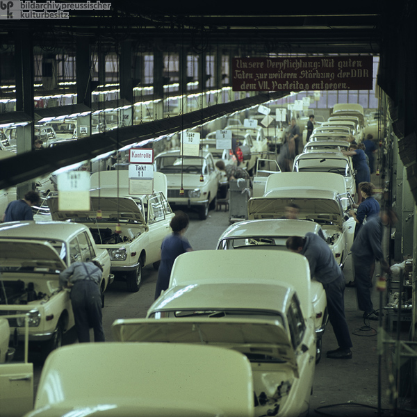 Production of the Wartburg 353 (1966)