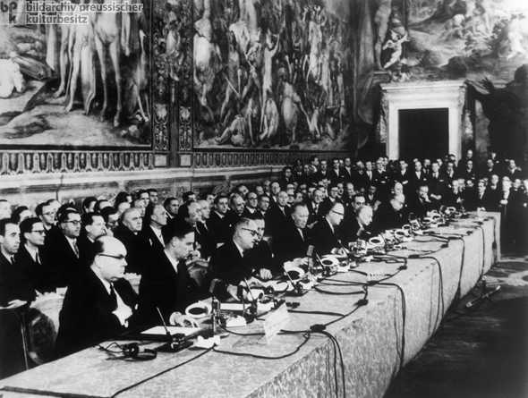 Signing of the Rome Treaties on the Founding of the European Economic Community (EEC) and Euratom (European Atomic Energy Commission) (March 25, 1957)