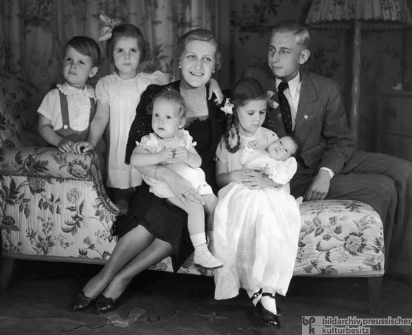 Magda Goebbels at Home with her Children (1938)