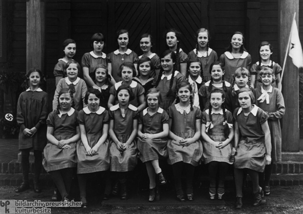 Protestant Girls' Youth Organization before its Dissolution (April 1, 1934)