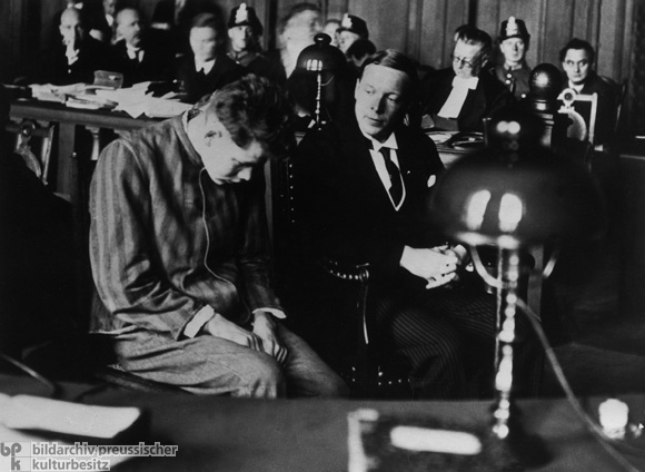 Before the Reich Court in Leipzig: The Defendant Marinus van der Lubbe with his Interpreter (September 24, 1933)