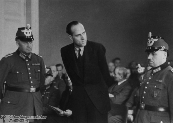 Count Helmuth James von Moltke before the People's Court in Berlin (January 10, 1945)